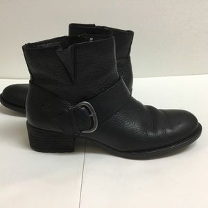 LIKE NEW Born Liona black leather ankle boots - 9M